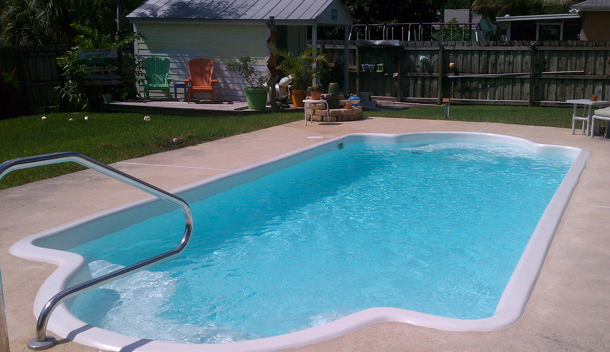 epoxy-pool-paint-fiberglass-pool - Aqua Guard 5000