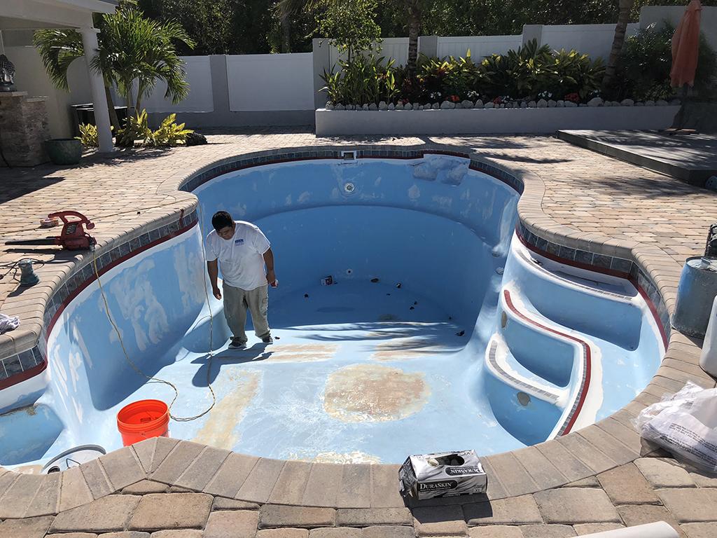Best pool resurfacing pool paint aqua guard 5000 for Pool resurfacing